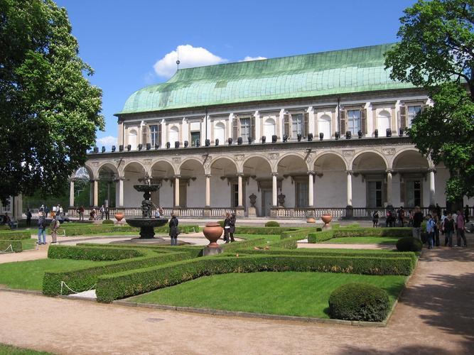 Královská zahrada a jelení příkop