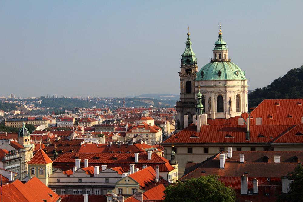 Procházka menším městem pod hradem pražským